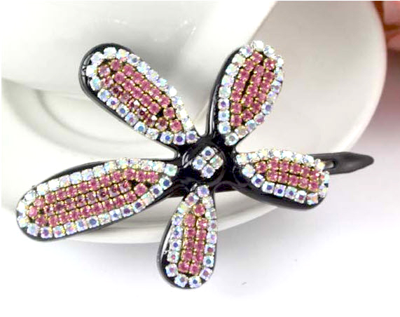 Butterfly hair slide with sparkling sequins. 